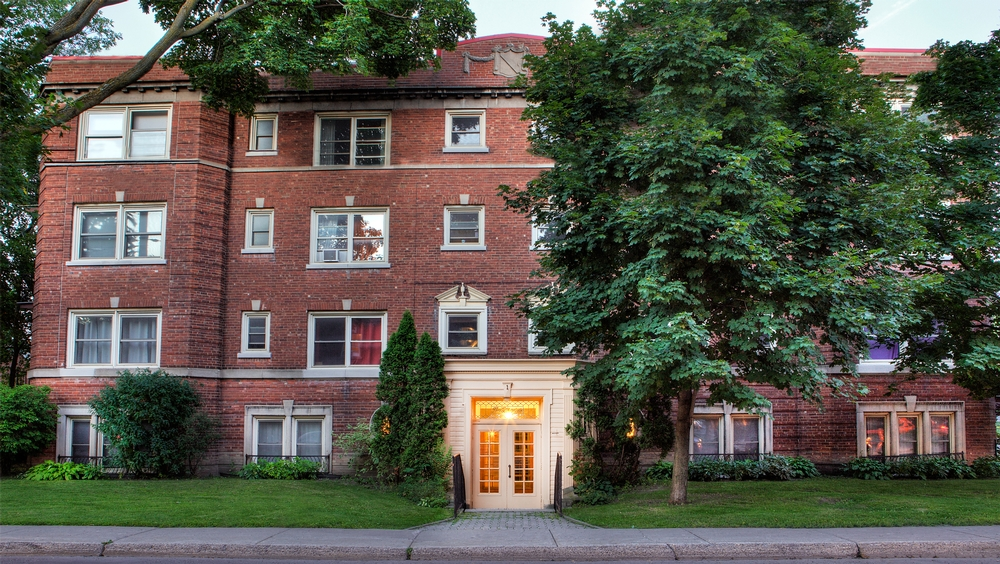 2 bedroom Apartments for rent in Hampstead at 1-2 Ellerdale - Photo 02 - RentQuebecApartments – L9523