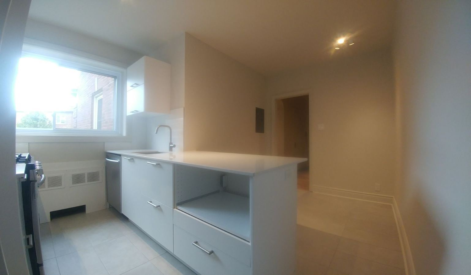 2 bedroom Apartments for rent in Hampstead at 1-2 Ellerdale - Photo 12 - RentQuebecApartments – L9523