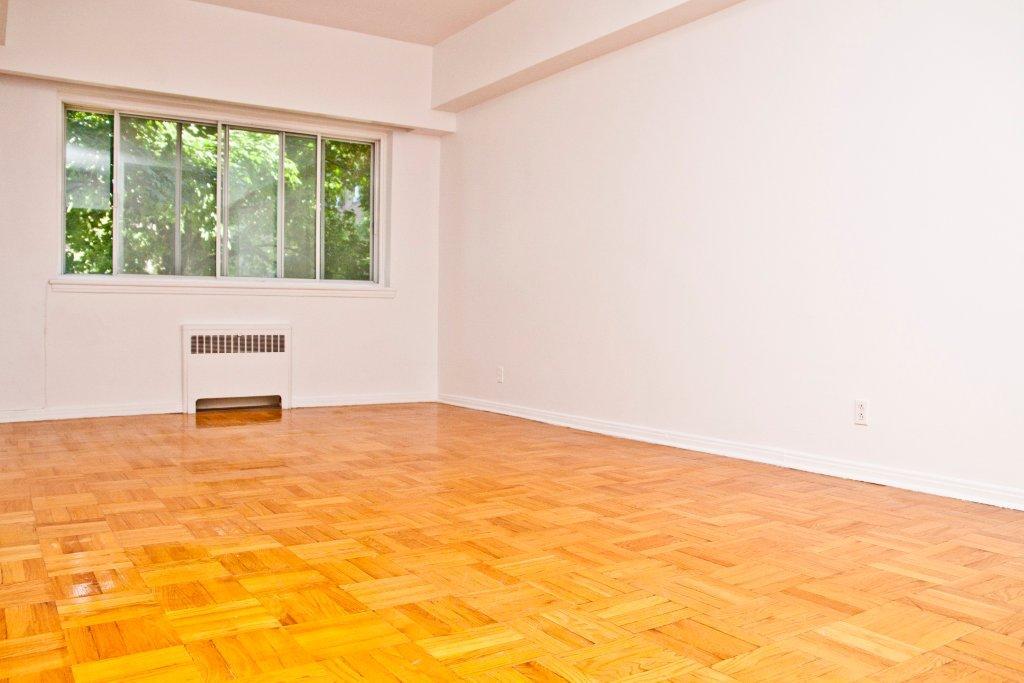 1 bedroom Apartments for rent in Notre-Dame-de-Grace at Longpre - Photo 03 - RentQuebecApartments – L1036