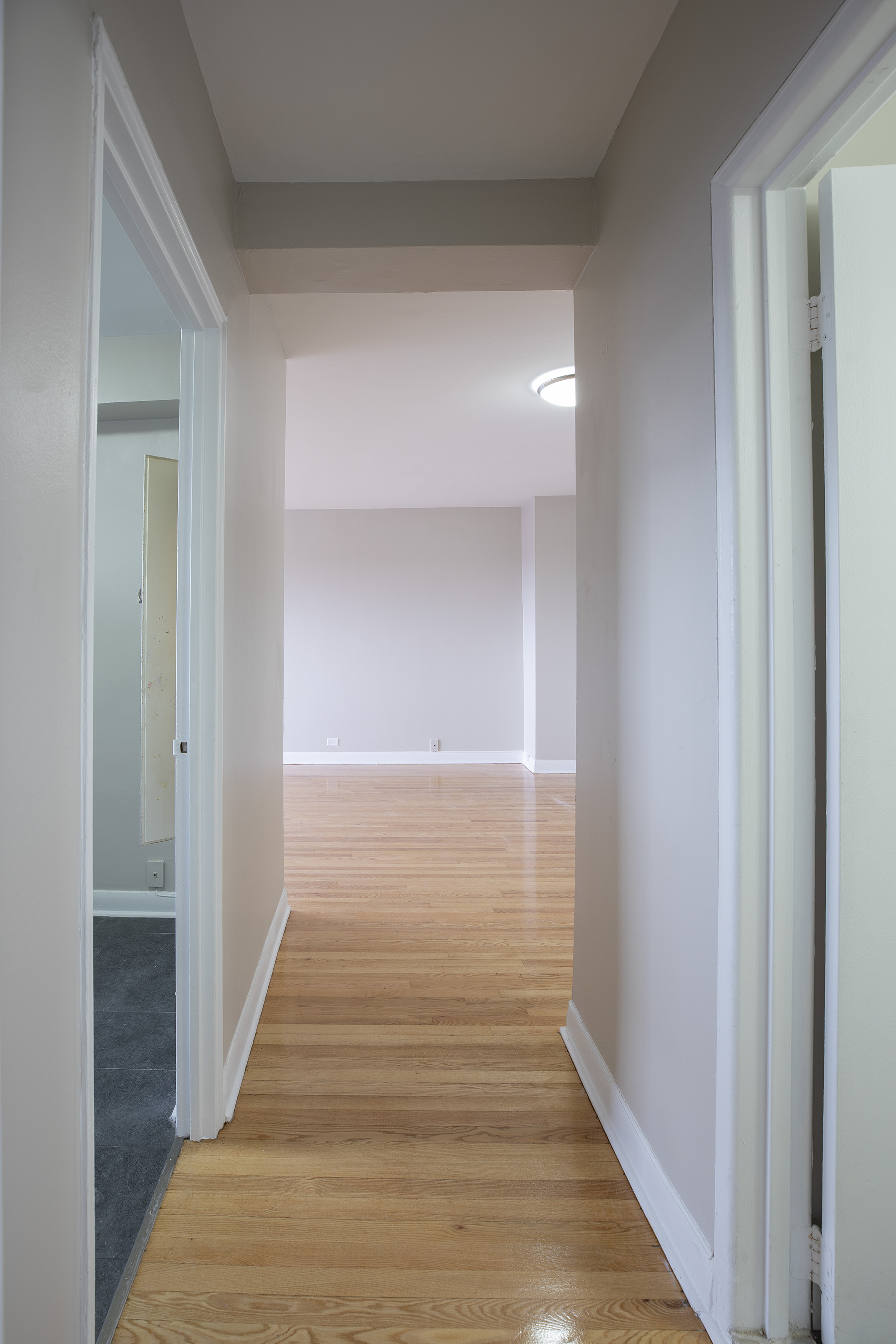 2 bedroom Apartments for rent in Montreal West at 6955 Fielding - Photo 10 - RentQuebecApartments – L401542