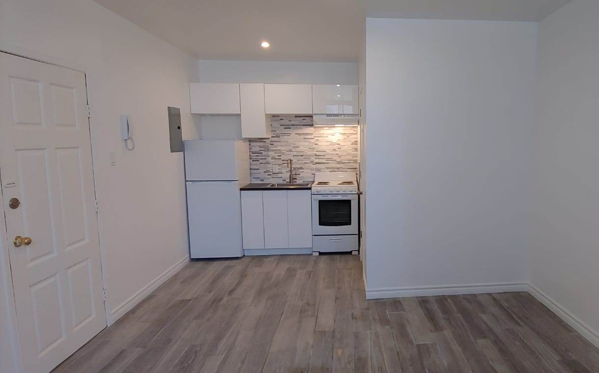 Studio / Bachelor Apartments for rent in Outremont at 1310-1314 Lajoie - Photo 05 - RentQuebecApartments – L209579