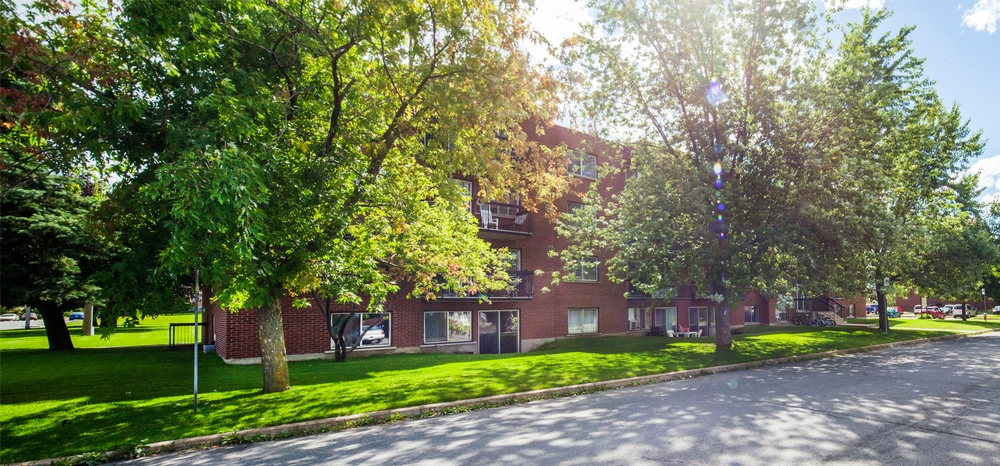 1 bedroom Apartments for rent in Chateauguay at Pasteur - Photo 02 - RentQuebecApartments – L9511