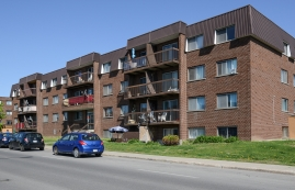 2 bedroom Apartments for rent in Laval at 5025 Samson - Photo 01 - RentQuebecApartments – L28108