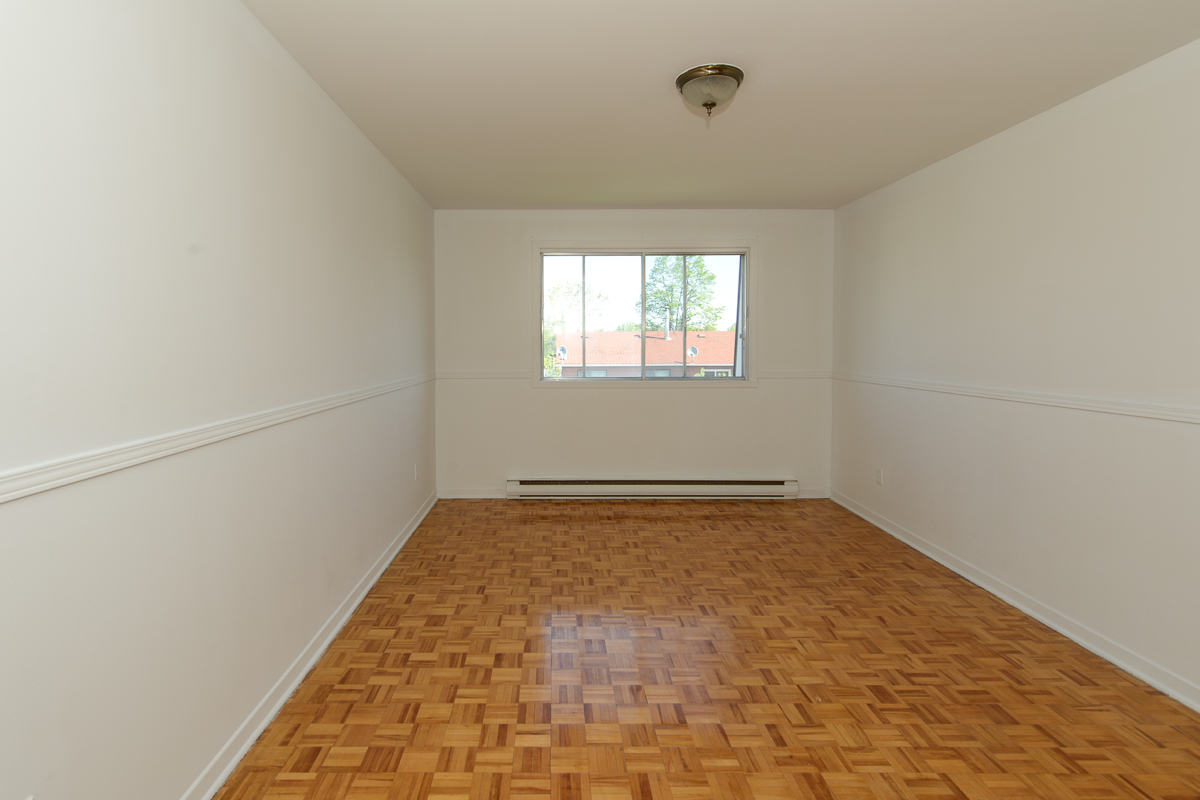 2 bedroom Apartments for rent in Laval at 5025 Samson - Photo 20 - RentQuebecApartments – L28108