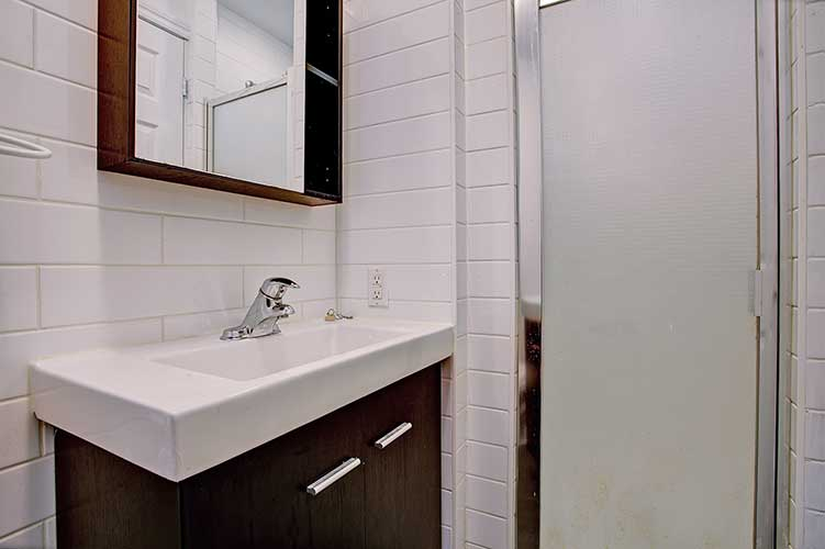 2 bedroom Apartments for rent in Westmount at 2054 Claremont - Photo 08 - RentQuebecApartments – L9824