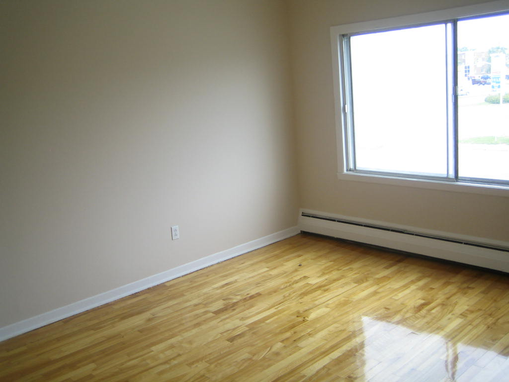1 bedroom Apartments for rent in Ville-Lasalle at 1800 Shevchenko - Photo 03 - RentQuebecApartments – L3747