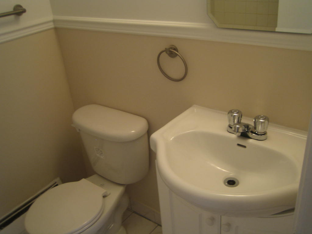 1 bedroom Apartments for rent in Ville-Lasalle at 1800 Shevchenko - Photo 04 - RentQuebecApartments – L3747