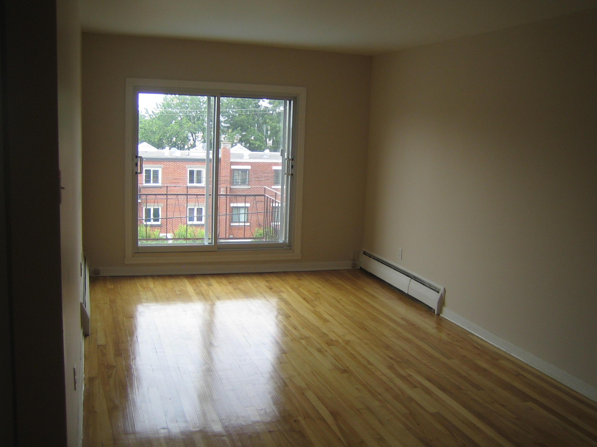 1 bedroom Apartments for rent in Ville-Lasalle at 1800 Shevchenko - Photo 05 - RentQuebecApartments – L3747