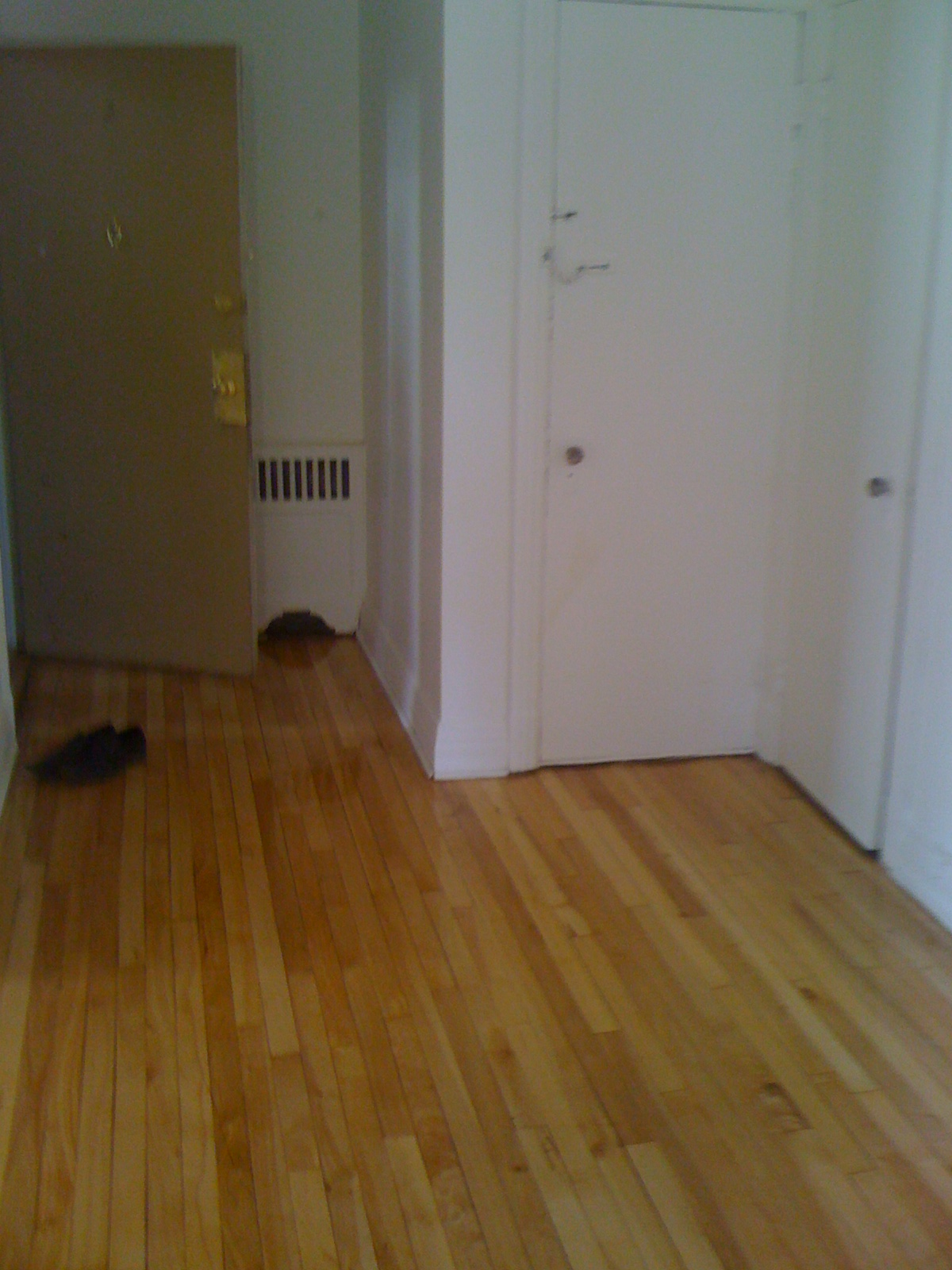 2 bedroom Apartments for rent in Cote-des-Neiges at 4723-25-27-29 Fulton - Photo 03 - RentQuebecApartments – L23405