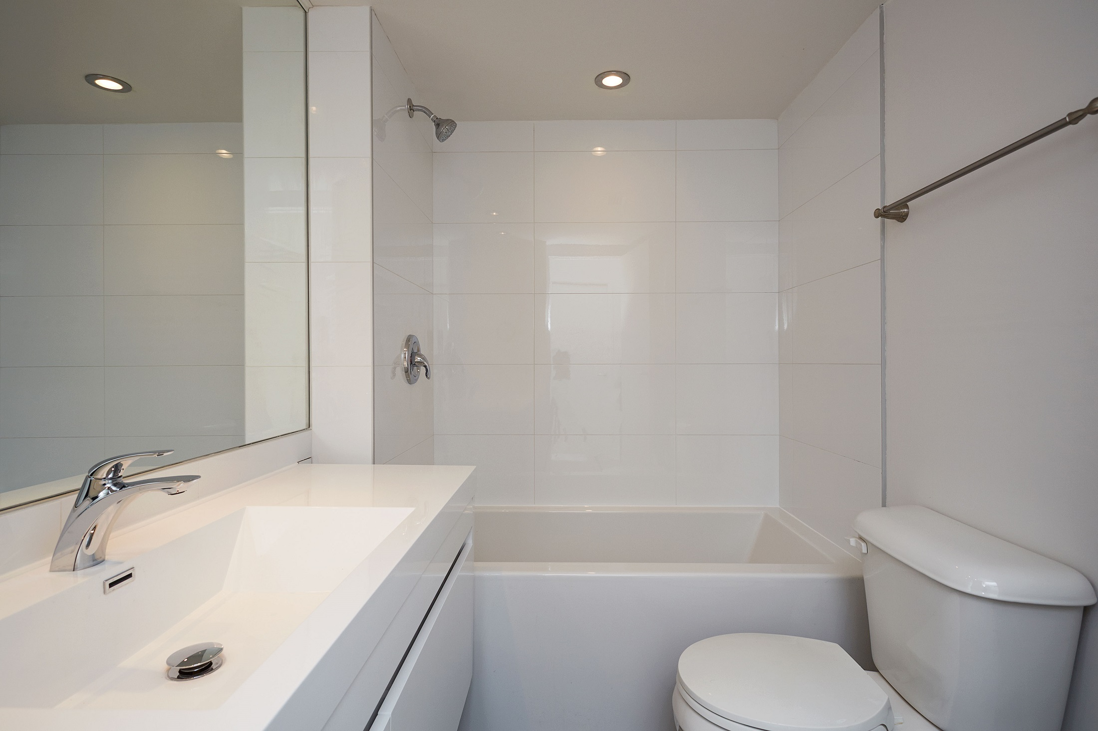 luxurious Studio / Bachelor Apartments for rent in Montreal (Downtown) at Le Parc - Photo 05 - RentQuebecApartments – L2099