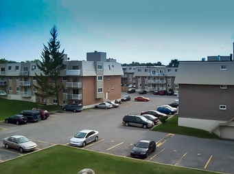 2 bedroom Apartments for rent in Laval at Le Domaine St-Martin - Photo 03 - RentQuebecApartments – L9184