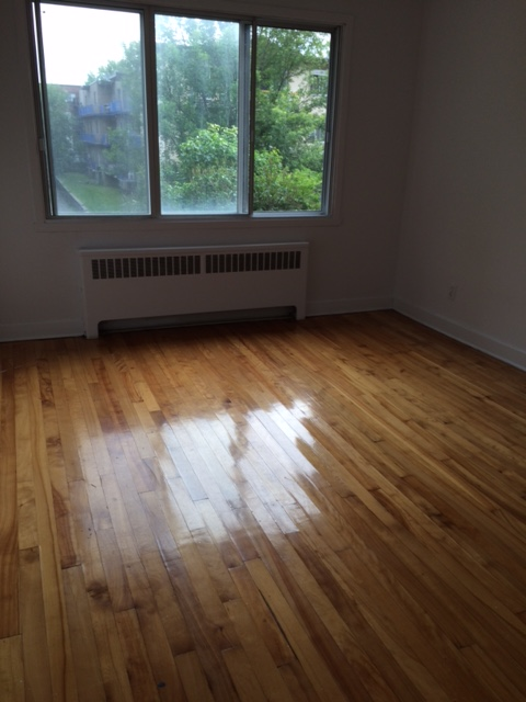 1 bedroom Apartments for rent in Notre-Dame-de-Grace at 2410-2420 Madison - Photo 03 - RentQuebecApartments – L22570