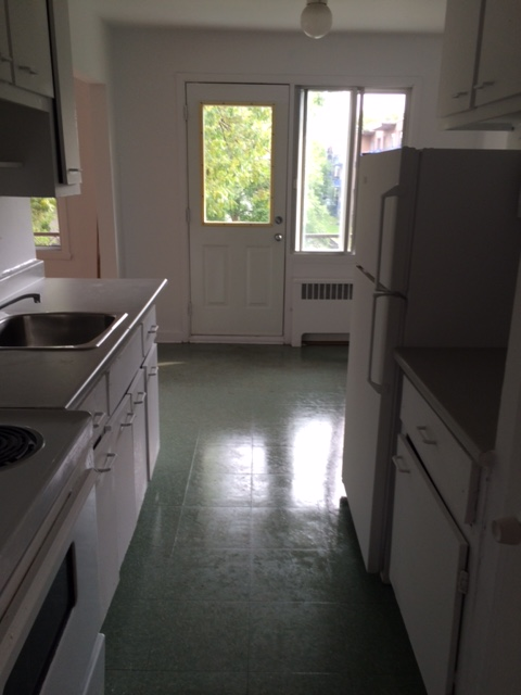 1 bedroom Apartments for rent in Notre-Dame-de-Grace at 2410-2420 Madison - Photo 04 - RentQuebecApartments – L22570