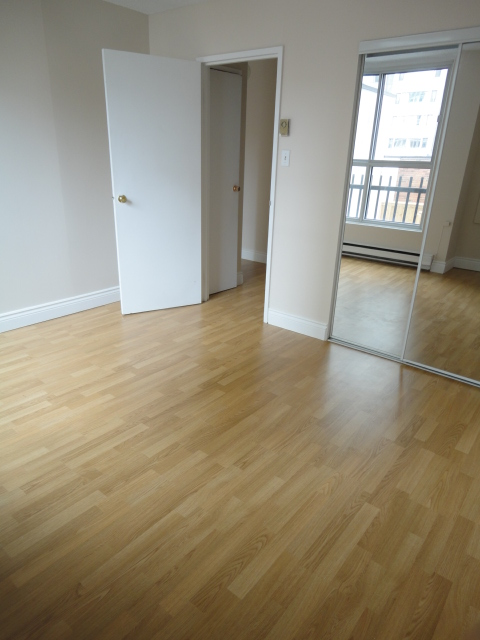 Studio / Bachelor Apartments for rent in Montreal (Downtown) at 2150 Mackay - Photo 01 - RentQuebecApartments – L3741