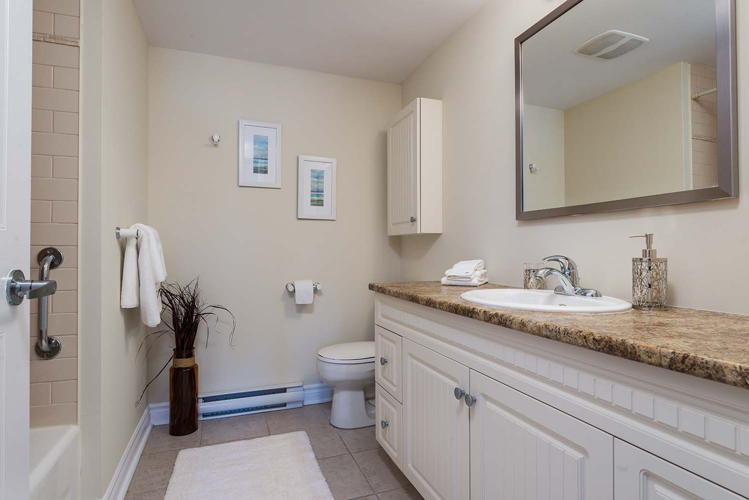 3 bedroom Apartments for rent in Cote-St-Luc at Excelsior - Photo 08 - RentQuebecApartments – L6072