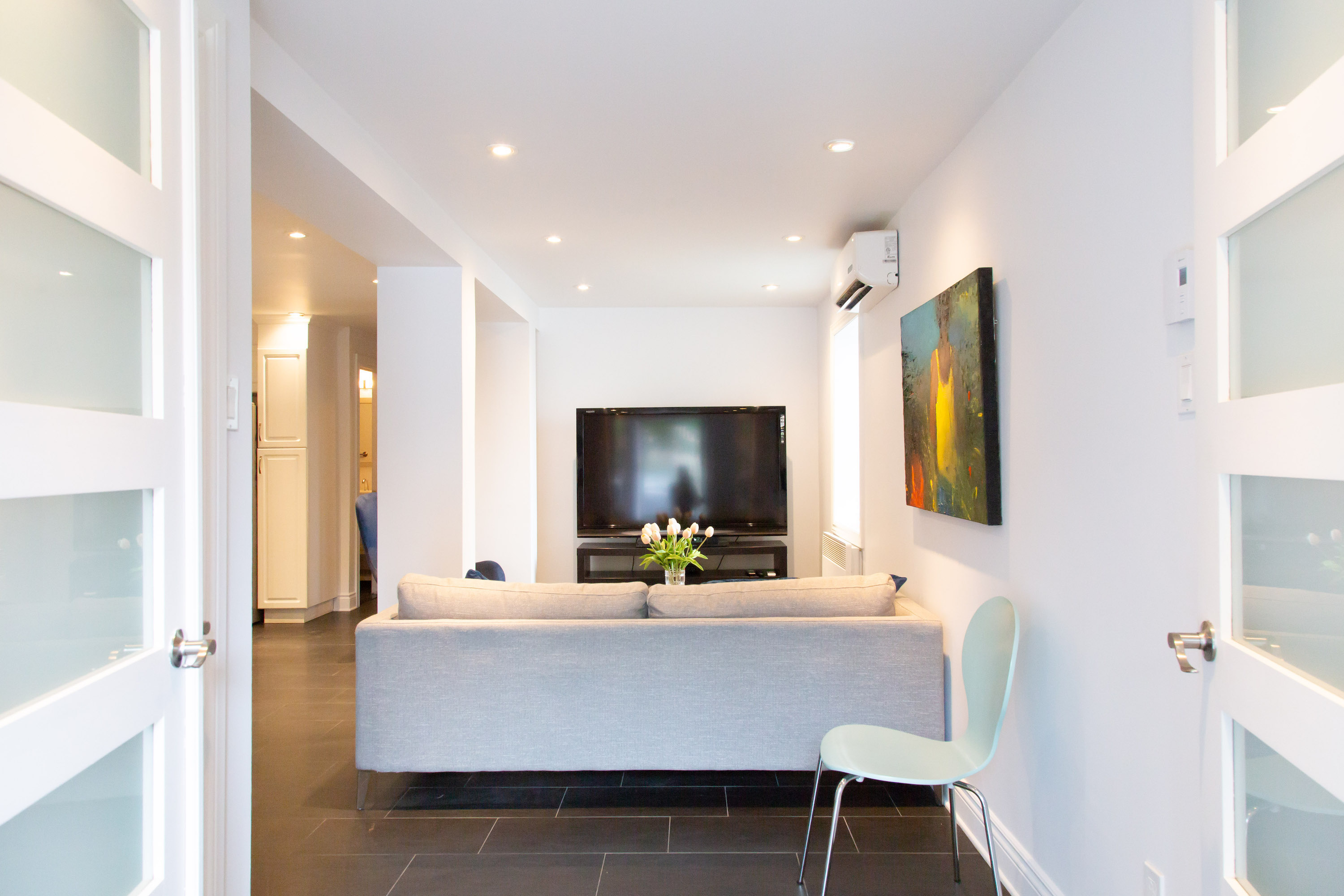 Furnished 2 Bedroom Apartments For Rent In Montreal (Downtown) At 506  Cherrier Street
