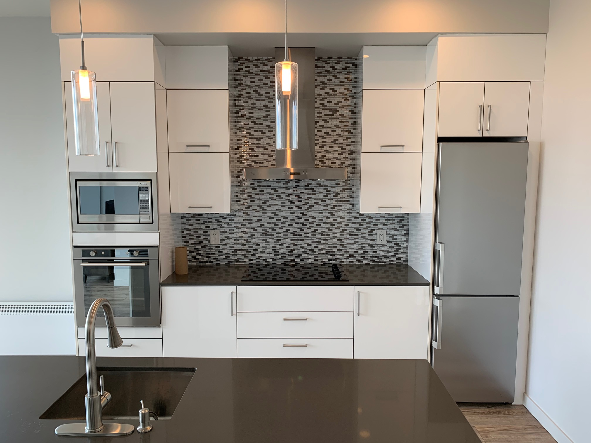 luxurious 1 bedroom Condos for rent in Montreal (Downtown) at Le Rubic - Photo 01 - RentQuebecApartments – L405206